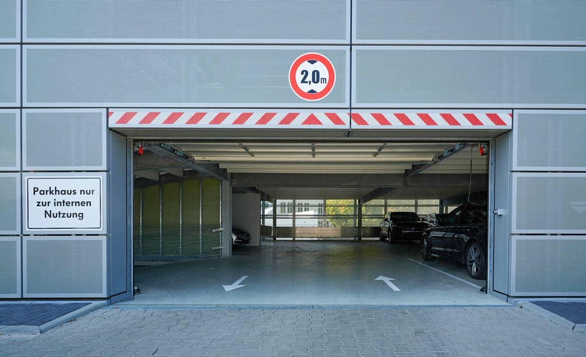 Parkraum für Porsche mit 120 Stellplätzen