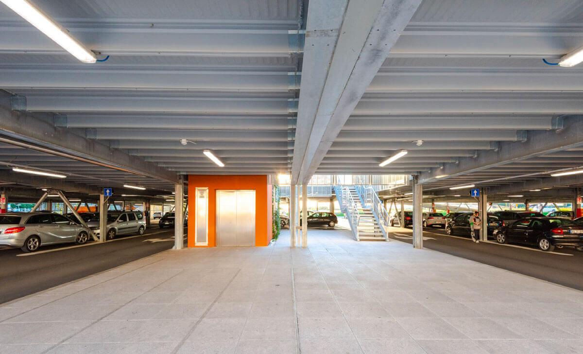 Kunden-Parkhaus in Italien mit 390 Stellplätzen