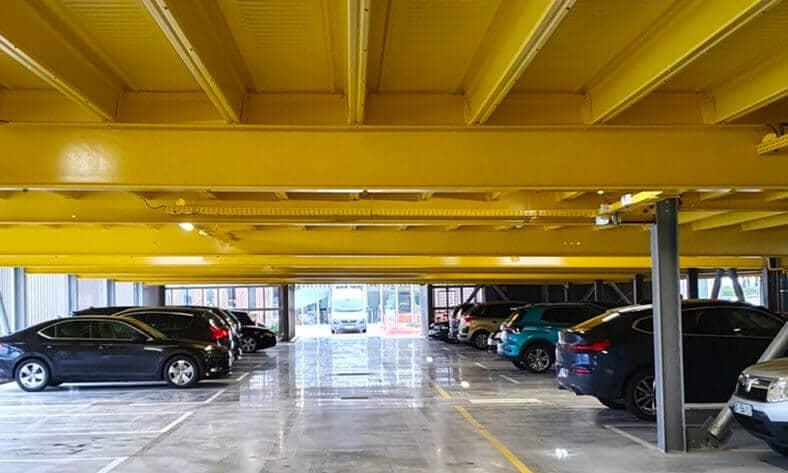 Parkhaus für Bürogebäude mit 200 Stellplätzen