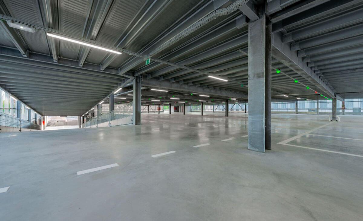 Klinik-Parkhaus in Lüttich mit 180 Stellplätzen