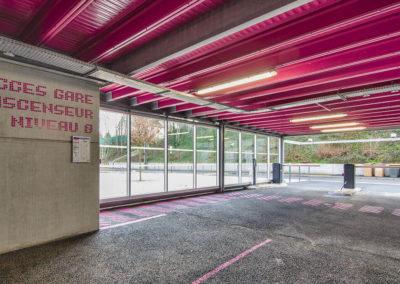 Bahnhofs-Parkhaus in Dreux (Frankreich)