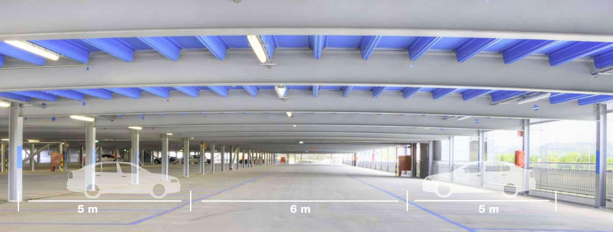 Keine Zwischenstützen - 16 Meter SpannweiteGute Sichtbarkeit beim Manövrieren und leichter Zugang zu den Fahrzeugen