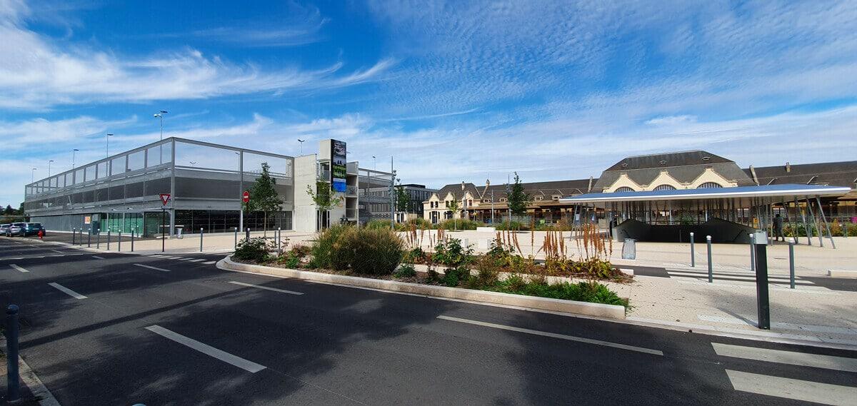 """Parkhäuser in der Innenstadt als Mobilitätsknotenpunkt """"""""Parkhäuser in der Innenstadt als Mobilitätsknotenpunkt"""