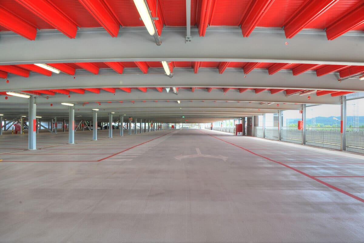 Funktionale und komfortable Parkplätze mit Platz zum Ein- und Aussteigen